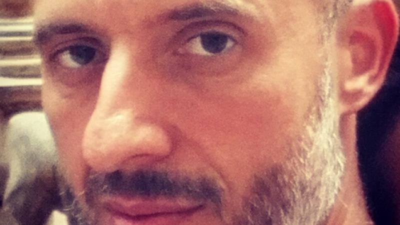 Carlos Asistente Sexual